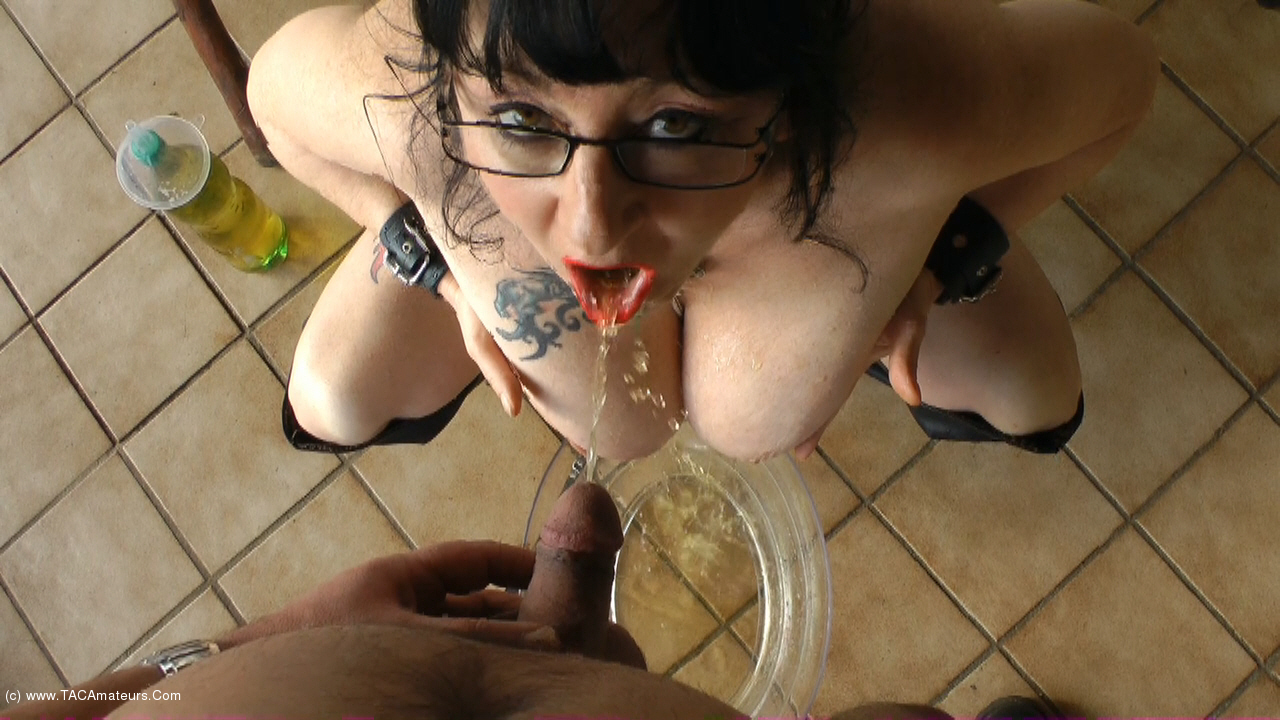 MaryBitch - The Pee Bottle scene 3