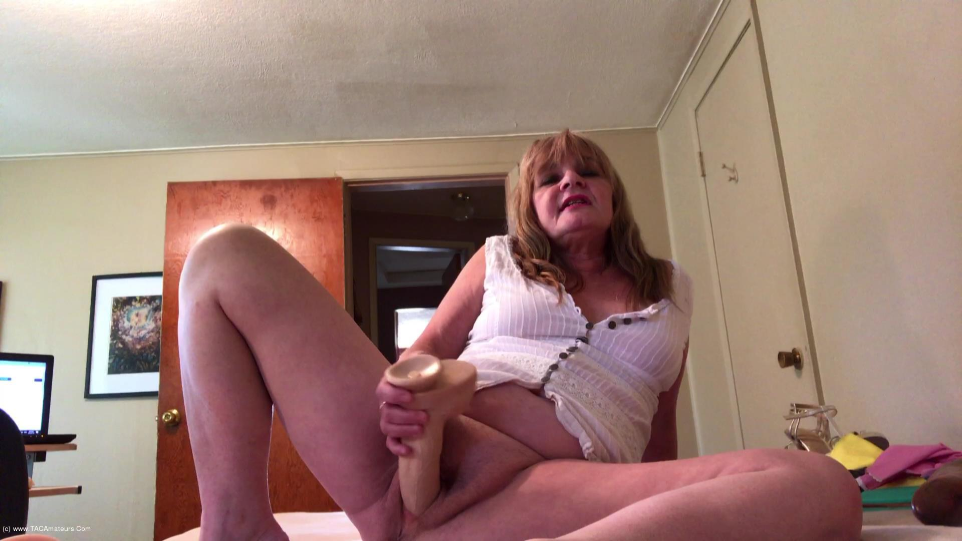 CougarBabeJolee - Filthy Milfy scene 0