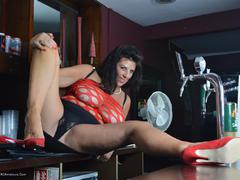 LuLuLush - Barmaid Gallery