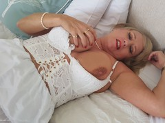 LornaBlu - Masturbation & Frills Video