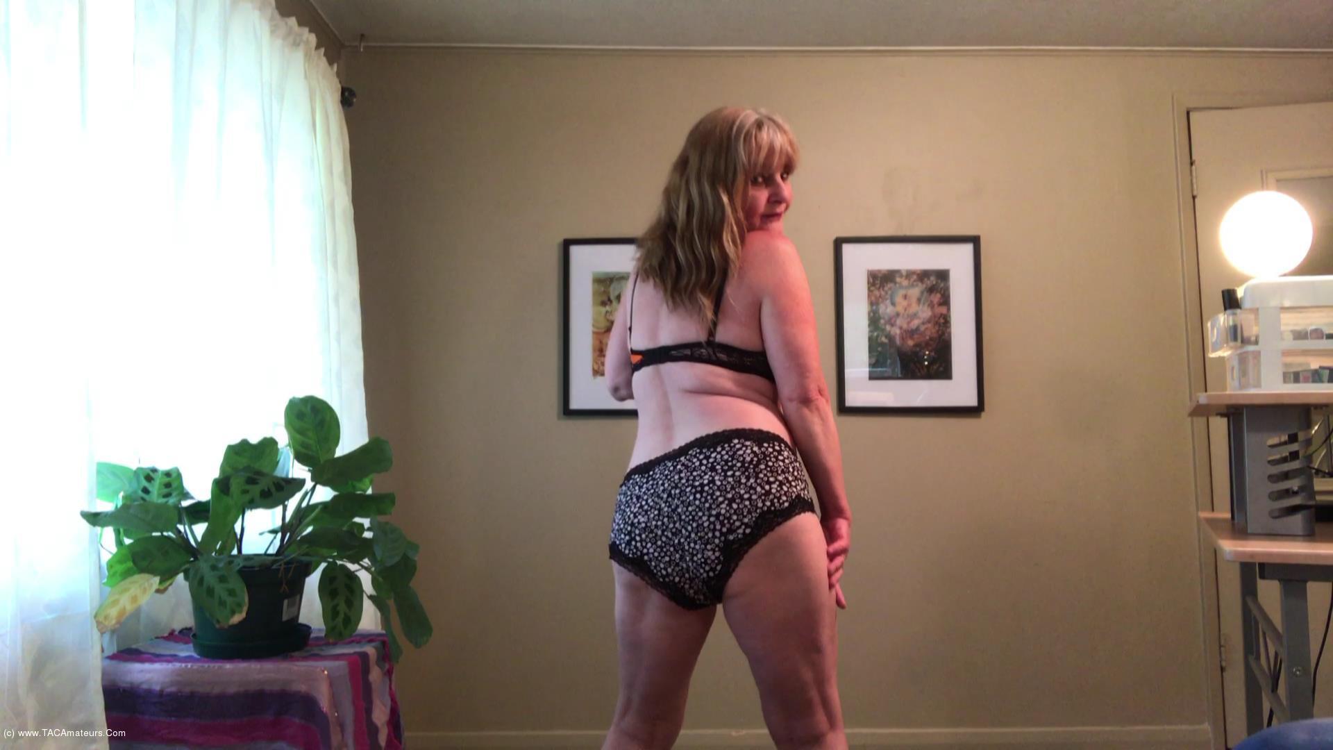 CougarBabeJolee - Seduction In Bra & Panties scene 1