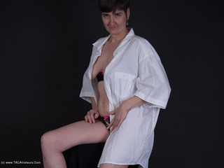 HotMilf - Blouse