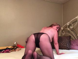 CougarBabe Jolee - Sultry Pantyhose Devine Worship HD Video