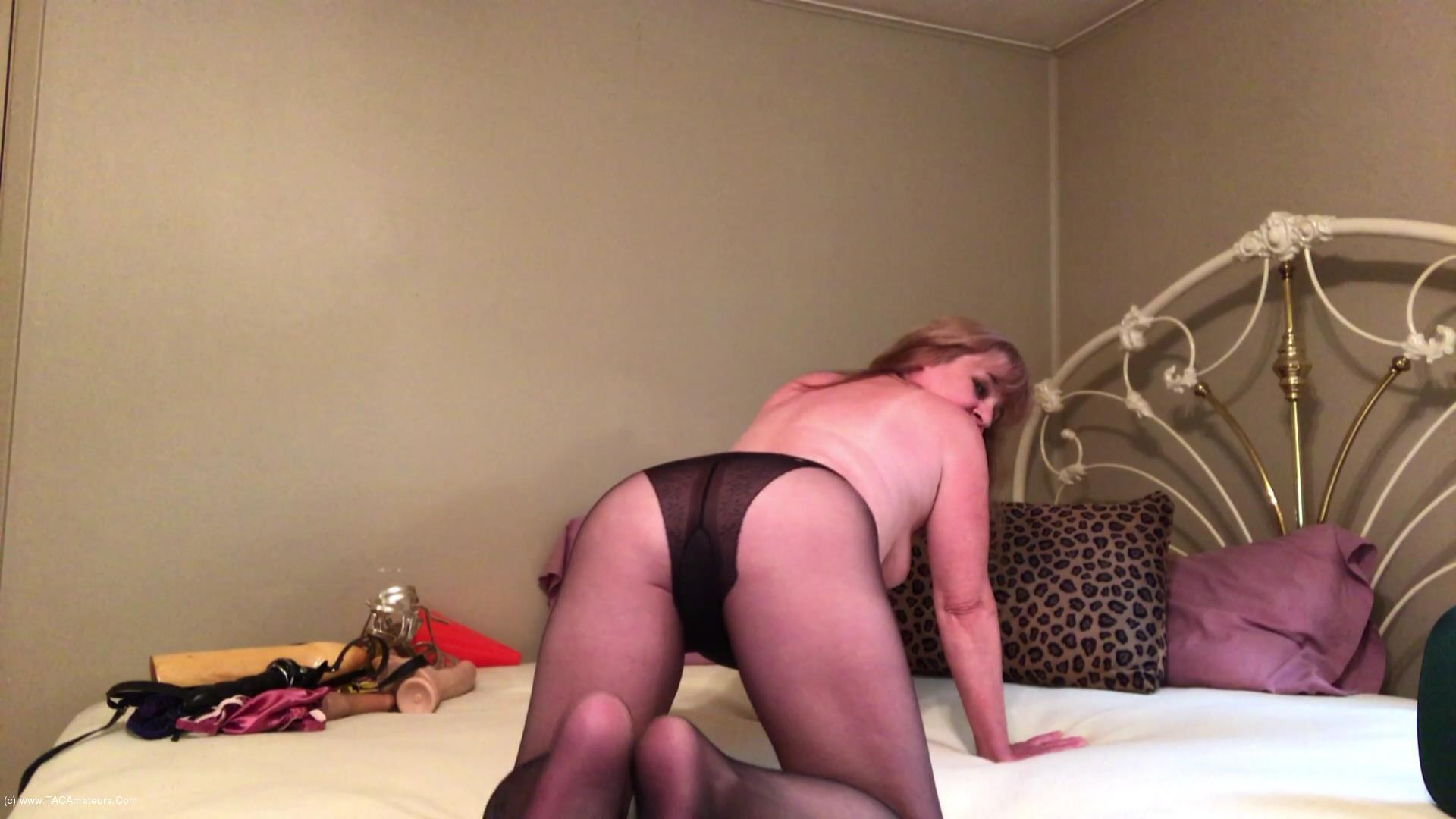 CougarBabeJolee - Sultry Pantyhose Devine Worship scene 0