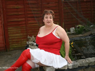 KinkyCarol - Red & White Boots & Stockings