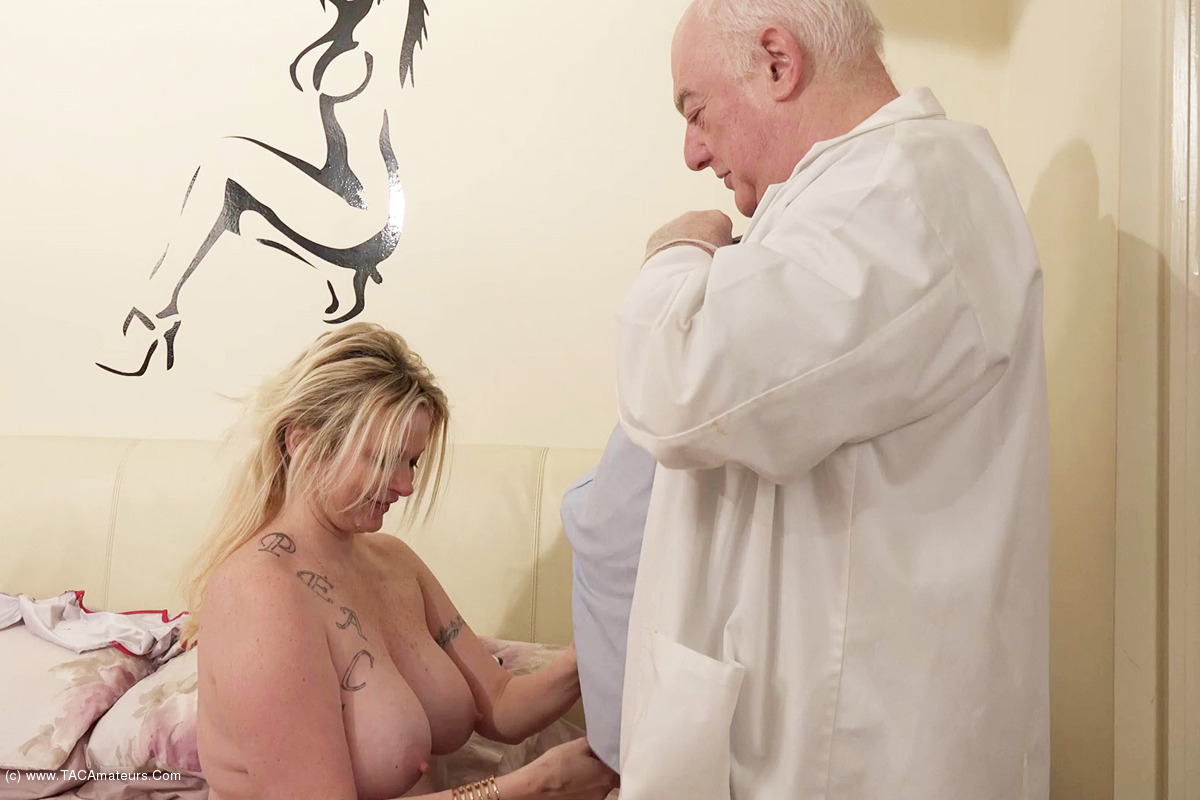 DirtyDoctor - The Dirty Doctor & Nurse Summer Pt1 scene 2