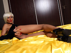 Liliane - Passion In Yellow Gallery