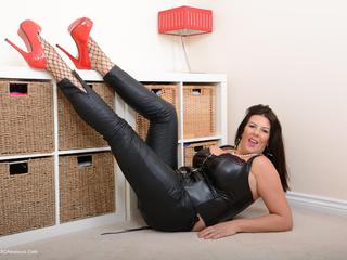 LuLu Lush - Smoking Hot In Leather  Killer Heels Picture Gallery
