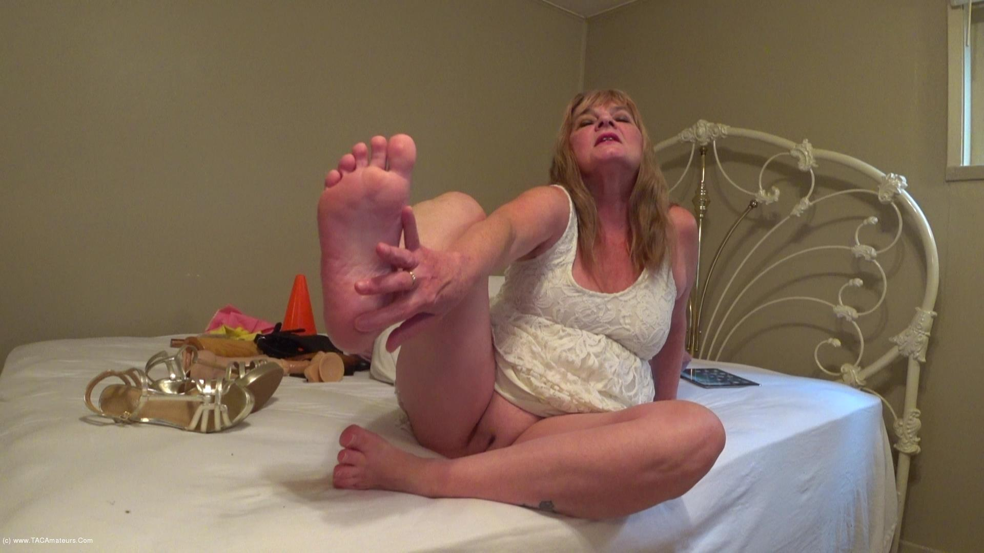 CougarBabeJolee - Barefoot In My Strappy Sandals Cum Worship Pt1 scene 1