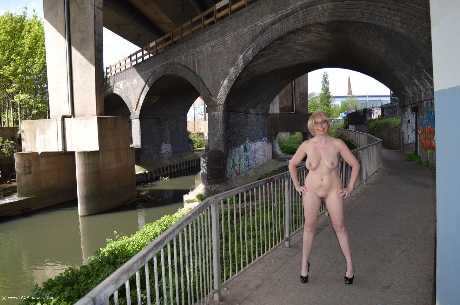 BarbySlut - Barby Plays In Public (Again) scene 3