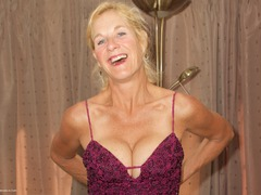 MollyMILF - Purple Dress Gallery