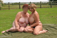 curvyclaire - Outdoor Naked Rug Munching Pt1 Free Pic 1