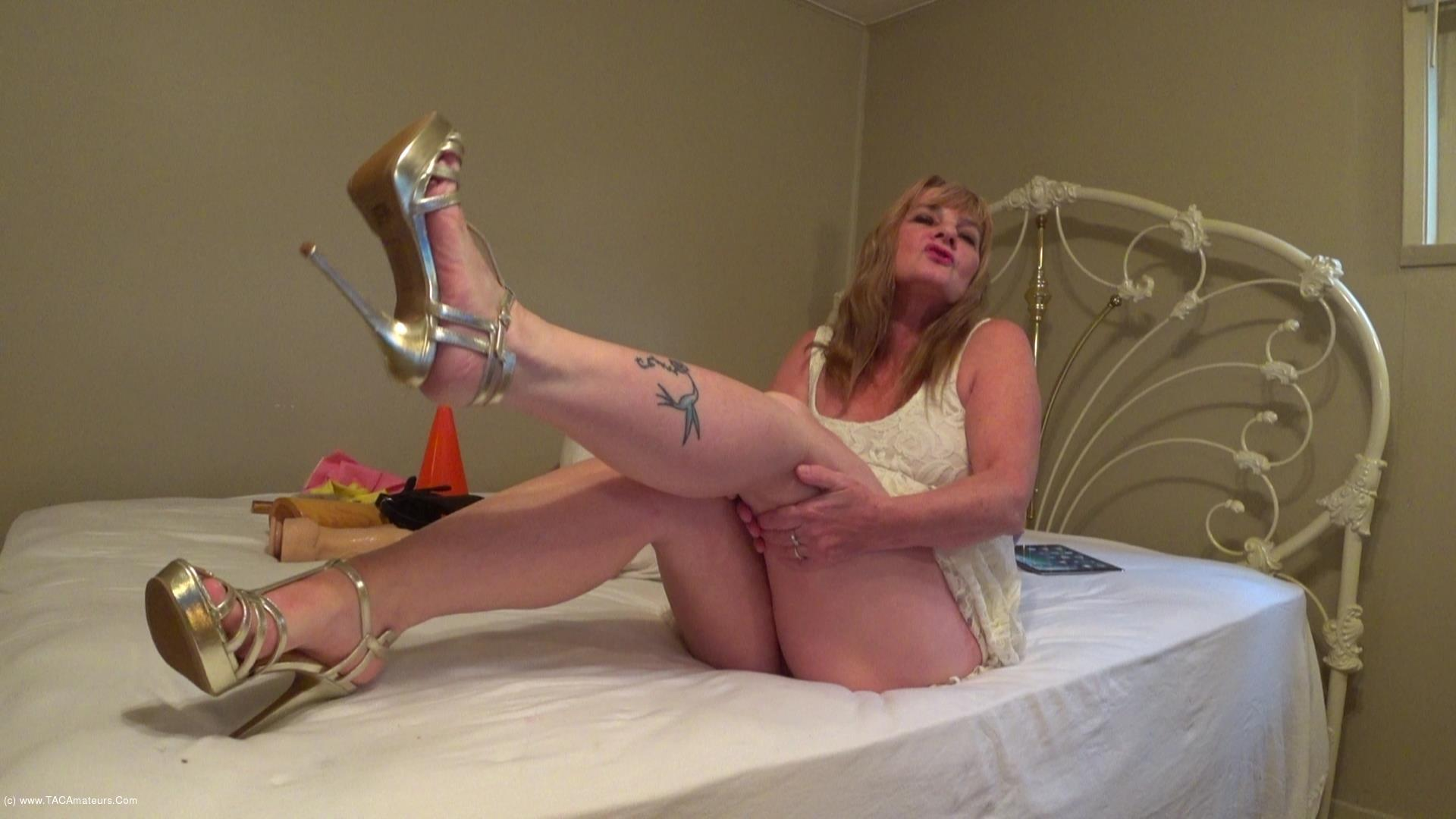 CougarBabeJolee - Barefoot In My Strappy Sandals Cum Worship Pt2 scene 1