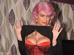 Dimonty - Pink Hair & Topless Gallery
