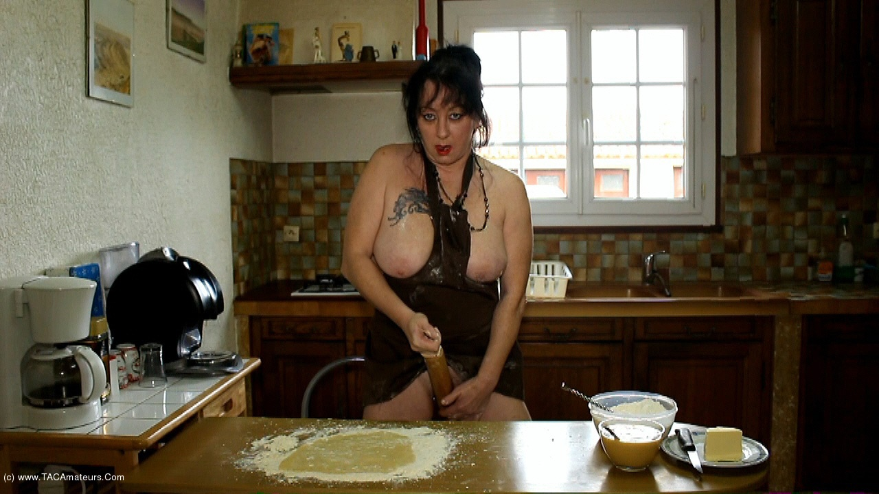 MaryBitch - The Pastry Cock Slut Pt1 scene 1