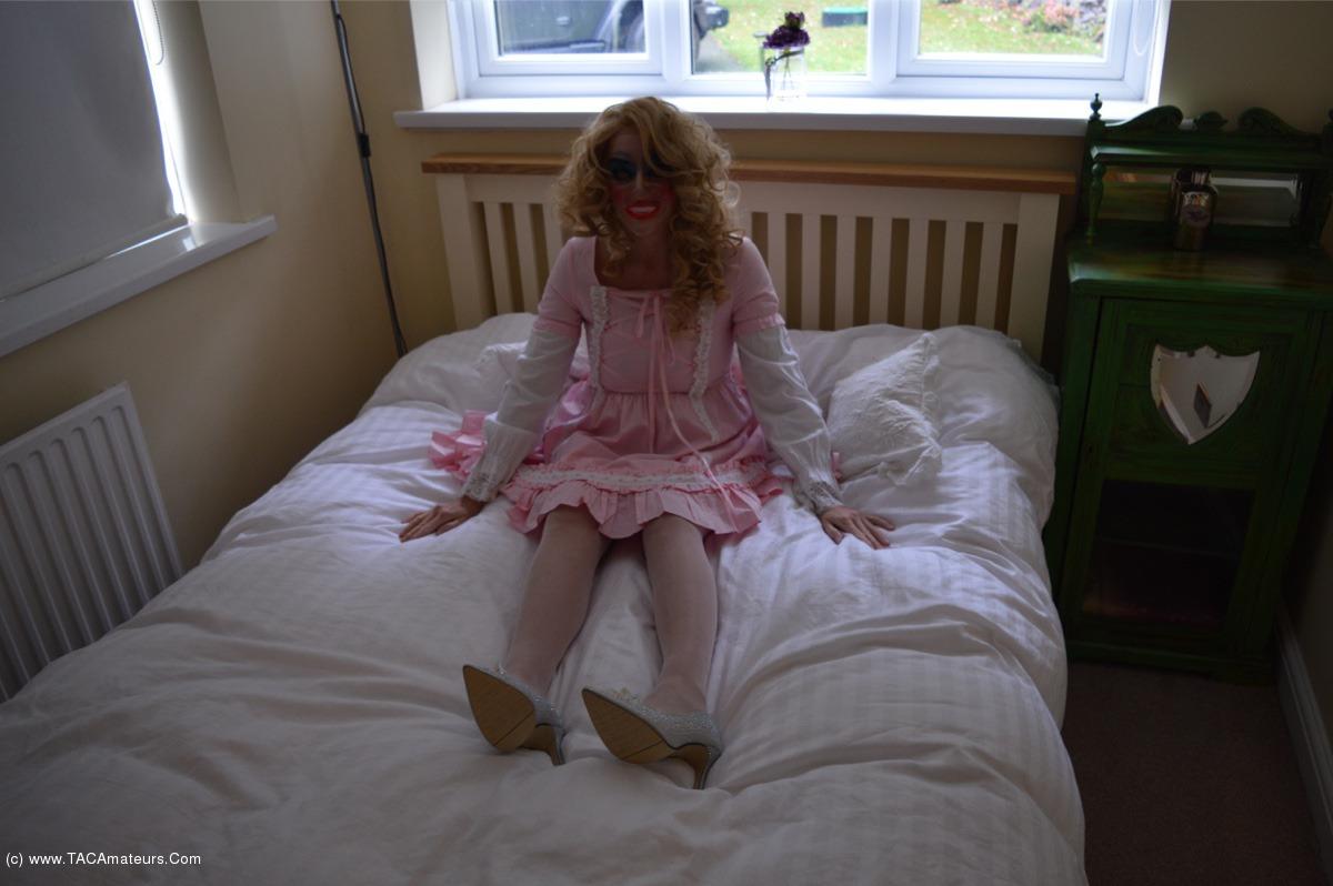 BarbySlut - Barby's Halloween scene 1