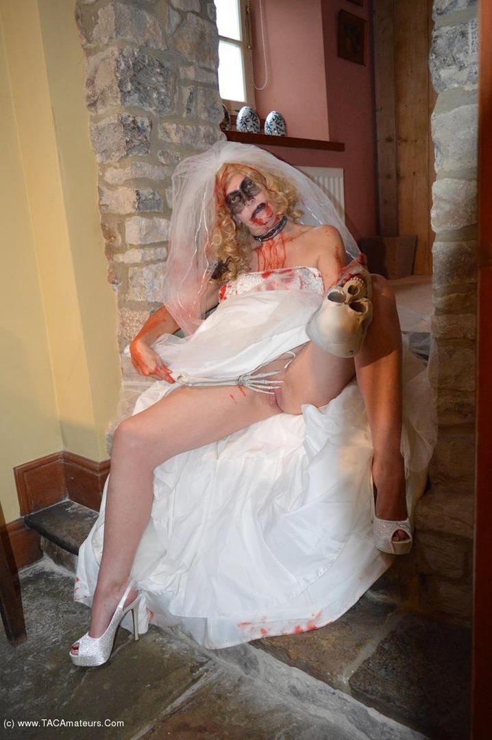 BarbySlut - Barby's Halloween scene 3