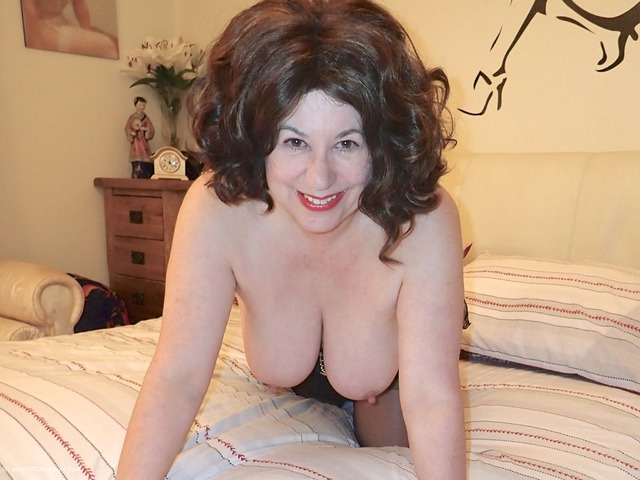 DirtyDoctor - Auntie Trisha Playing On The Bed
