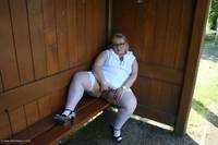 lexiecummings - Lexie & Her Tail In The Bus Shelter Free Pic 2