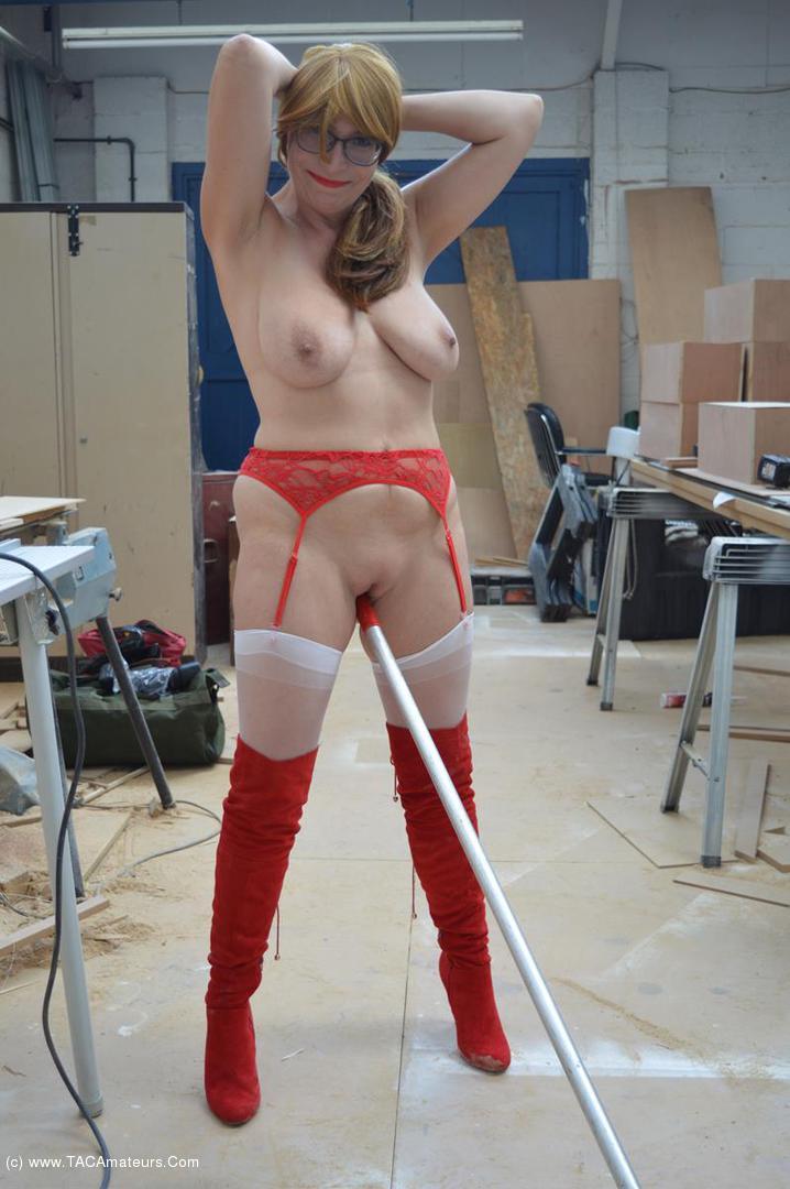 BarbySlut - Barby & The Workman scene 3