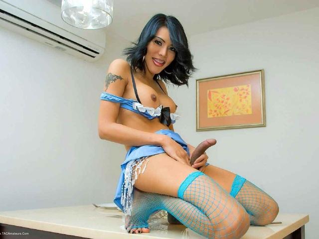 AreeyaLadyboy - Stripping Off On The Breakfast Table Pt3