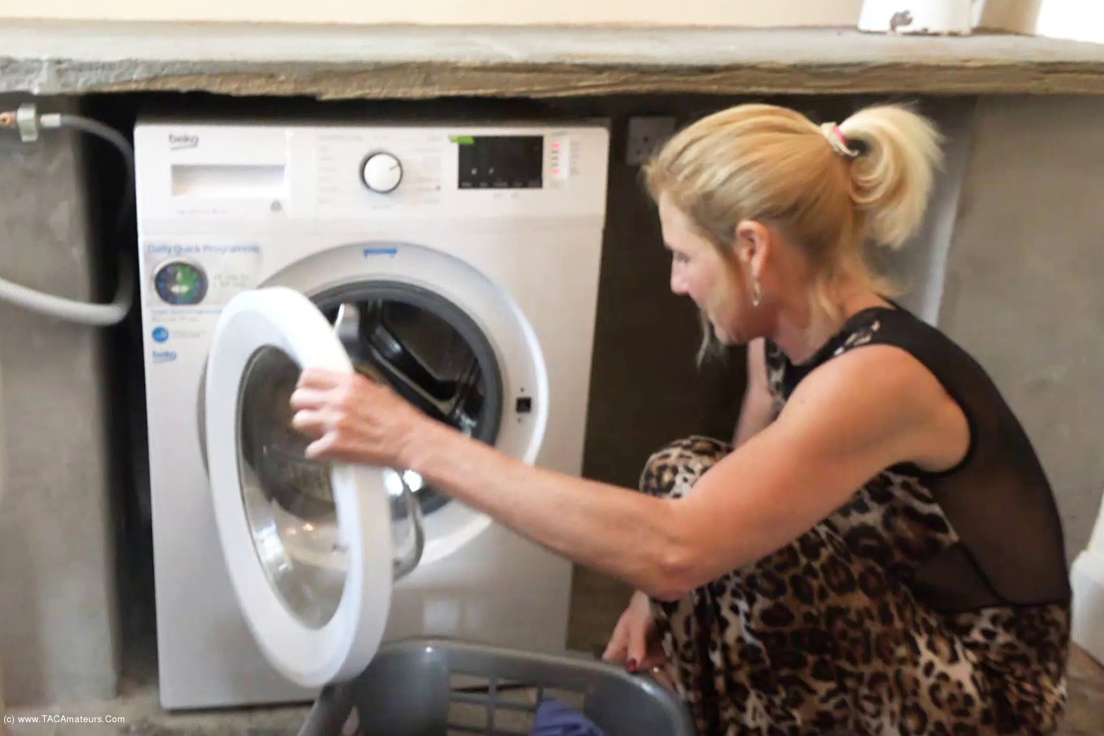 MollyMILF - Hanging Out The Washing scene 0
