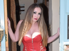 PhillipasLadies - Mistress Delanie In The Doorway Gallery