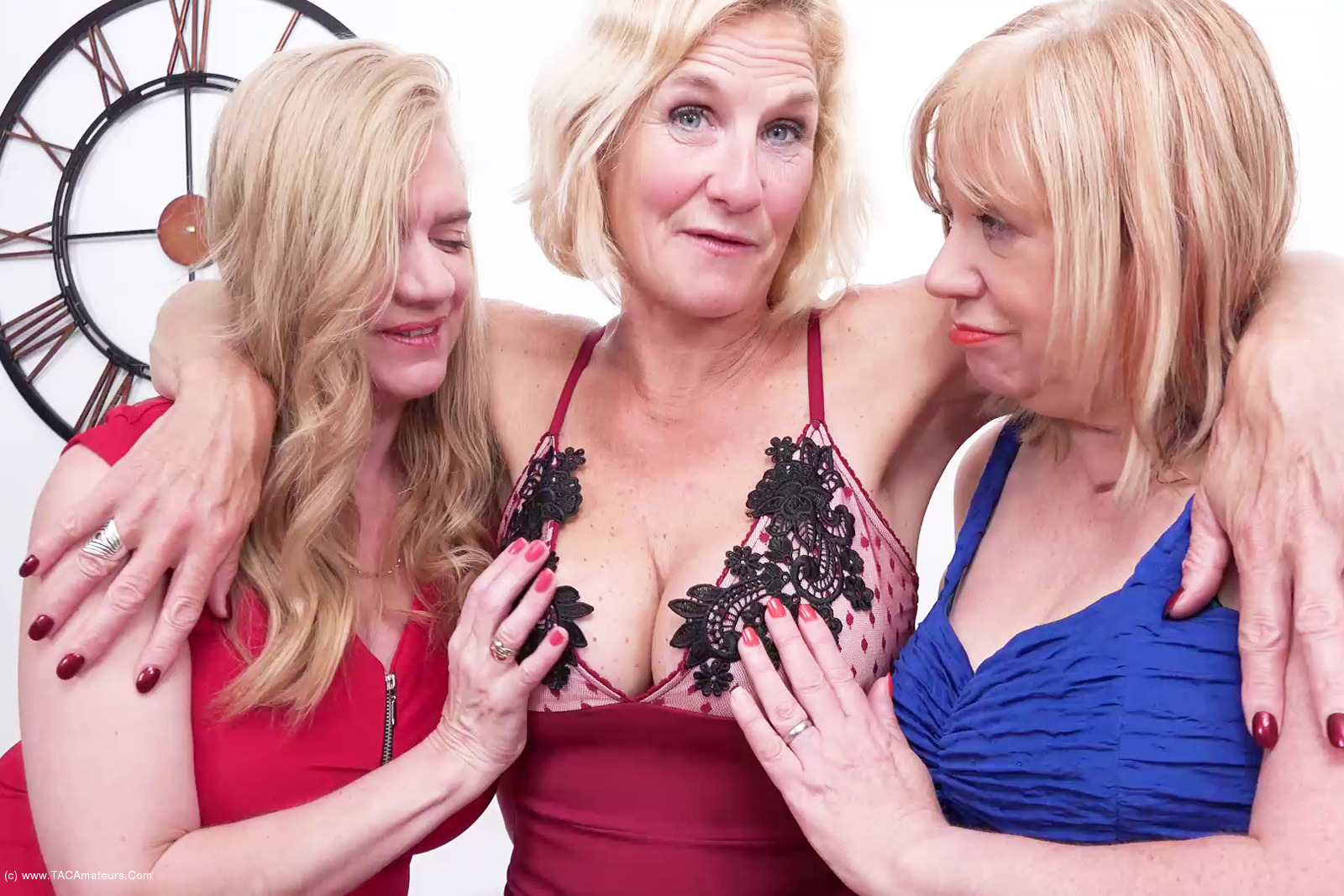 MollyMILF - Three Girls On The Table Pt1 scene 1