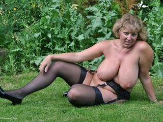 Little Black Dress Garden Str