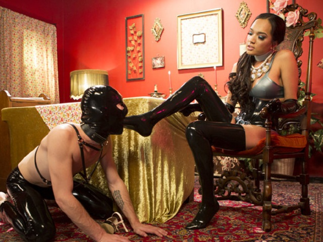 JessicaTheFox - Kinky Tea Party With Jessica Fox Pt2