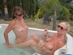 Melody - Hot Tub Lesbo Fun With Pandora Pt3 Gallery