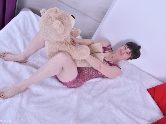 HotMilf - Purplr Body  Teddy