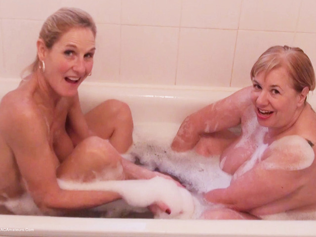 SpeedyBee - Bathtime Fun Pt1