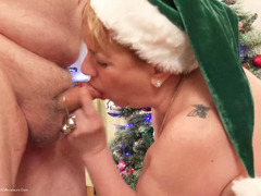 DirtyDoctor - The Naughty Elf Pt2 HD Video