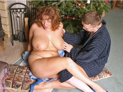 CurvyClaire - Claire's Xmas Present Wrapping Pt1 Gallery