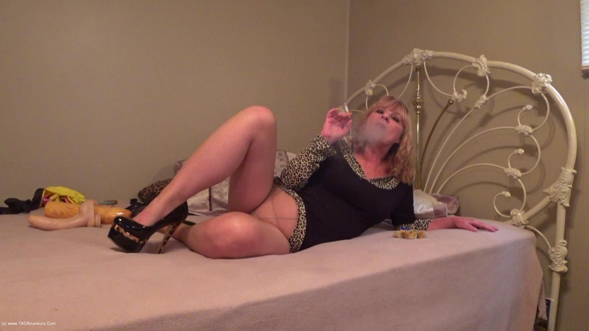 CougarBabeJolee - Sexy In Pantyhose & Heels Smoking scene 2