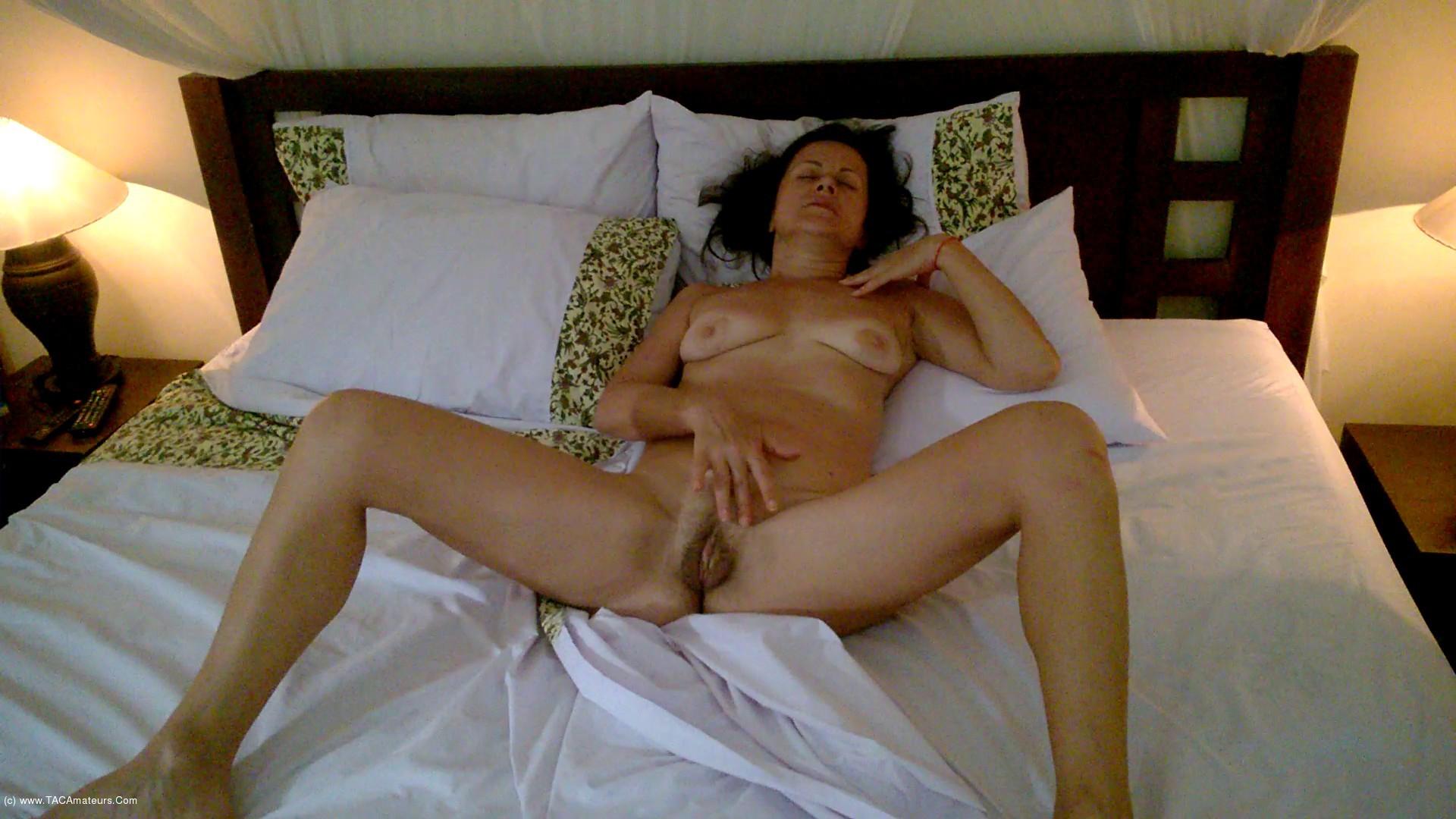 DianaAnanta - Ball Masturbation scene 0