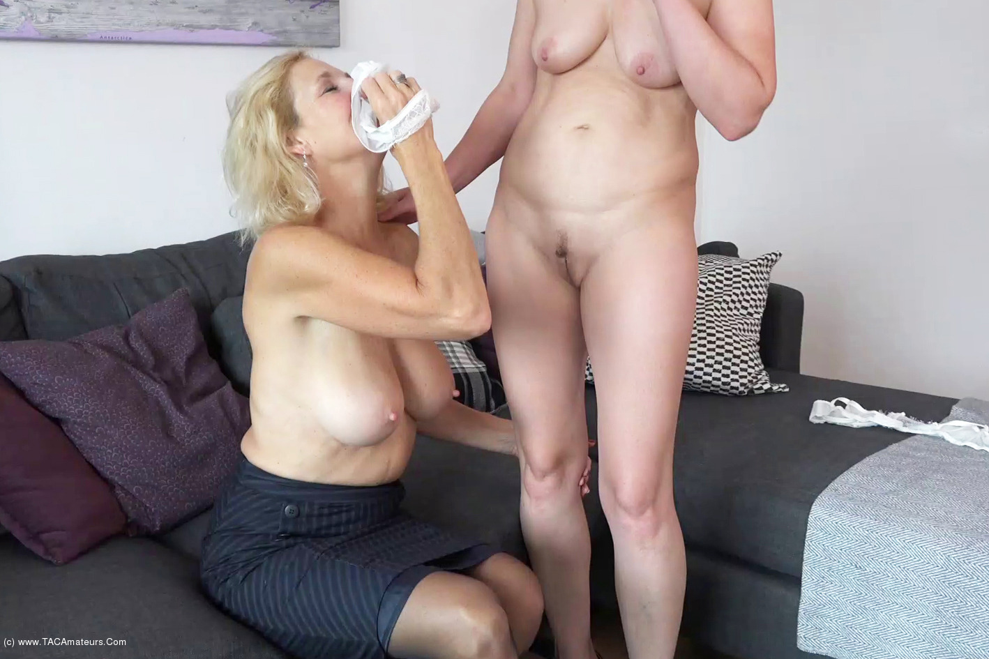 MollyMILF - Home From The Office Pt2 scene 3