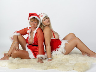 Horny Xmas Girls