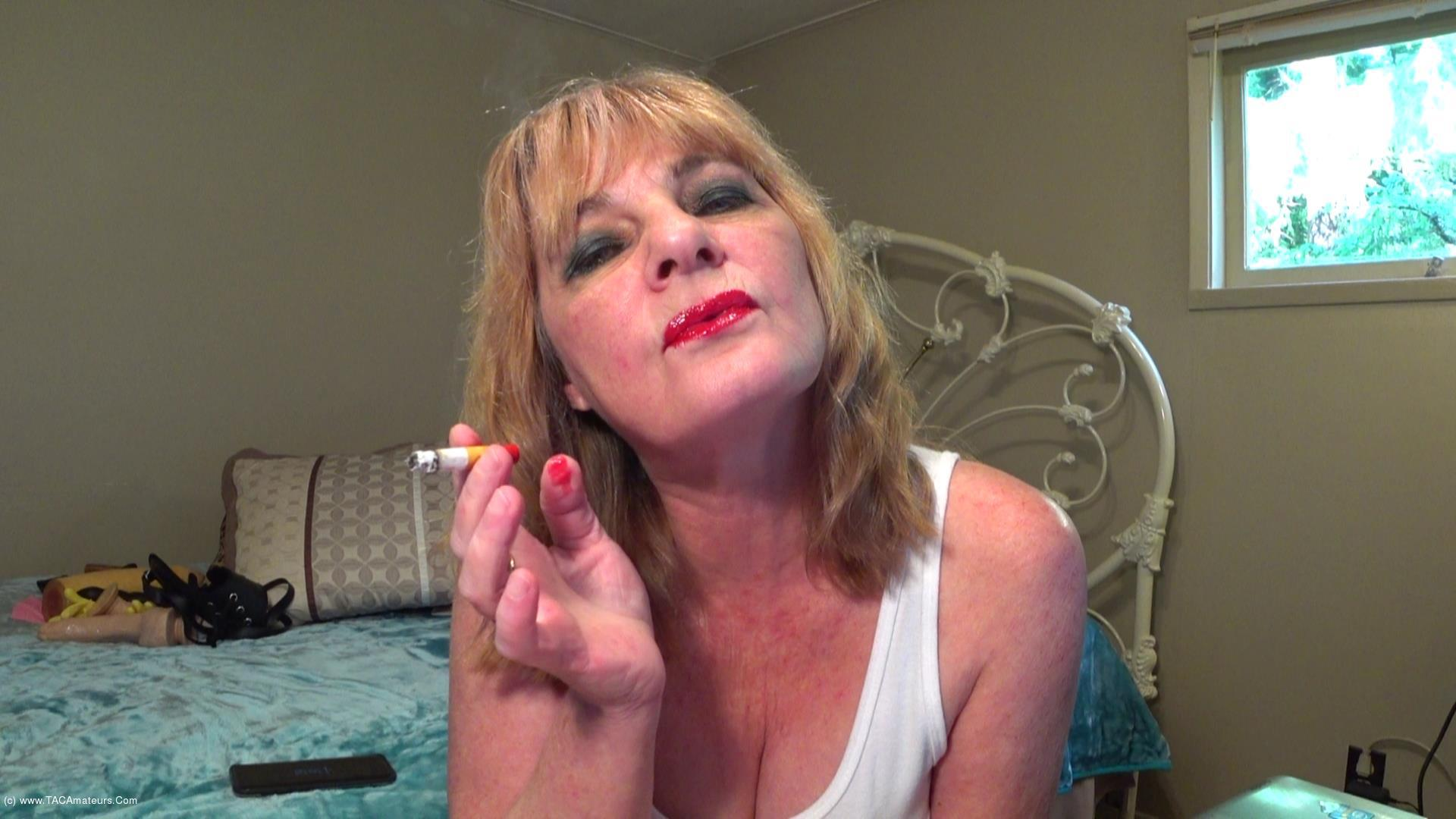 CougarBabeJolee - Smoking Shiny Red Lippy scene 3