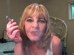 CougarBabeJolee - Smoking Shiny Red Lippy HD Video