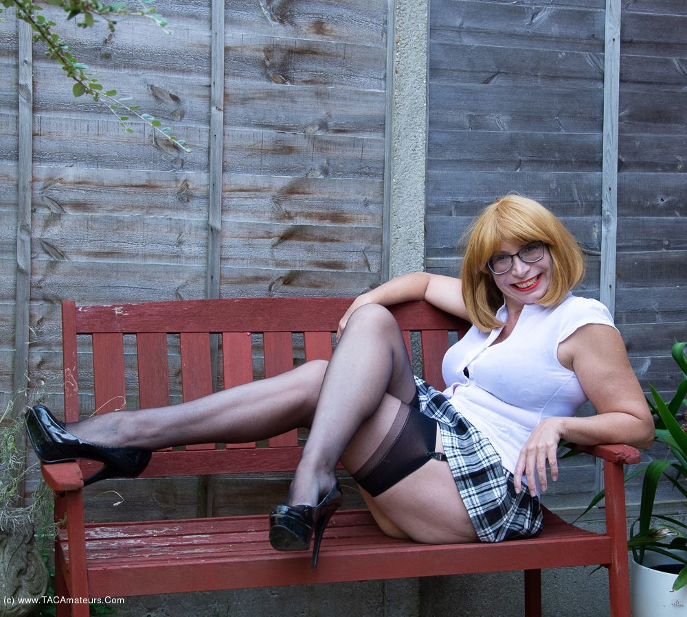 BarbySlut - Barby's Garden Photoshoot Pt1 scene 0