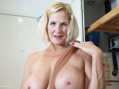 MollyMILF - Housework Pt3 HD Video