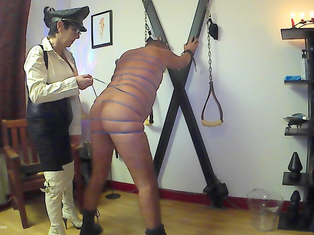 MaryBitch - BDSM Session With Rubber Bands Pt2