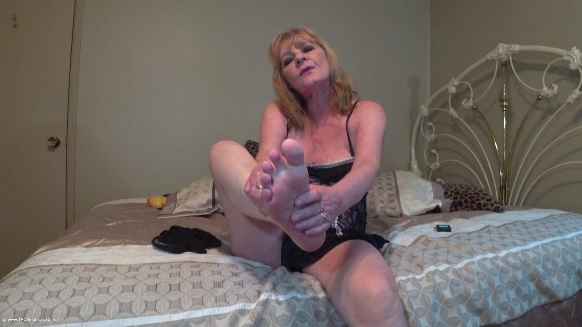 CougarBabeJolee - Get Intimate With My Pretty Feet scene 3