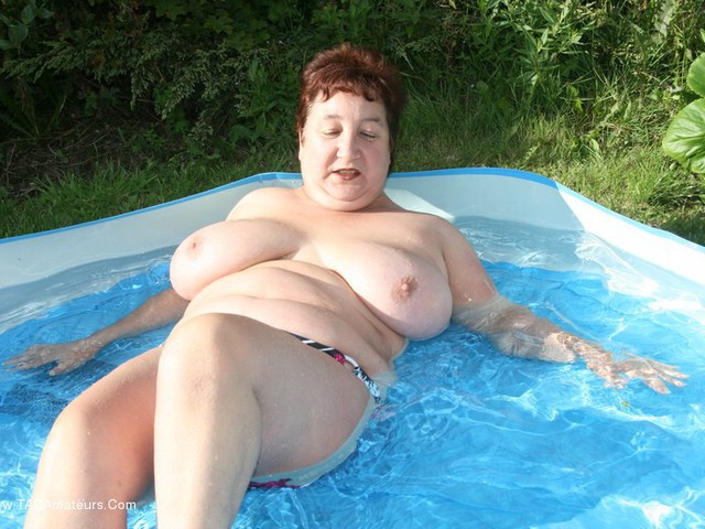 KinkyCarol - Paddling In My Pool Pt1