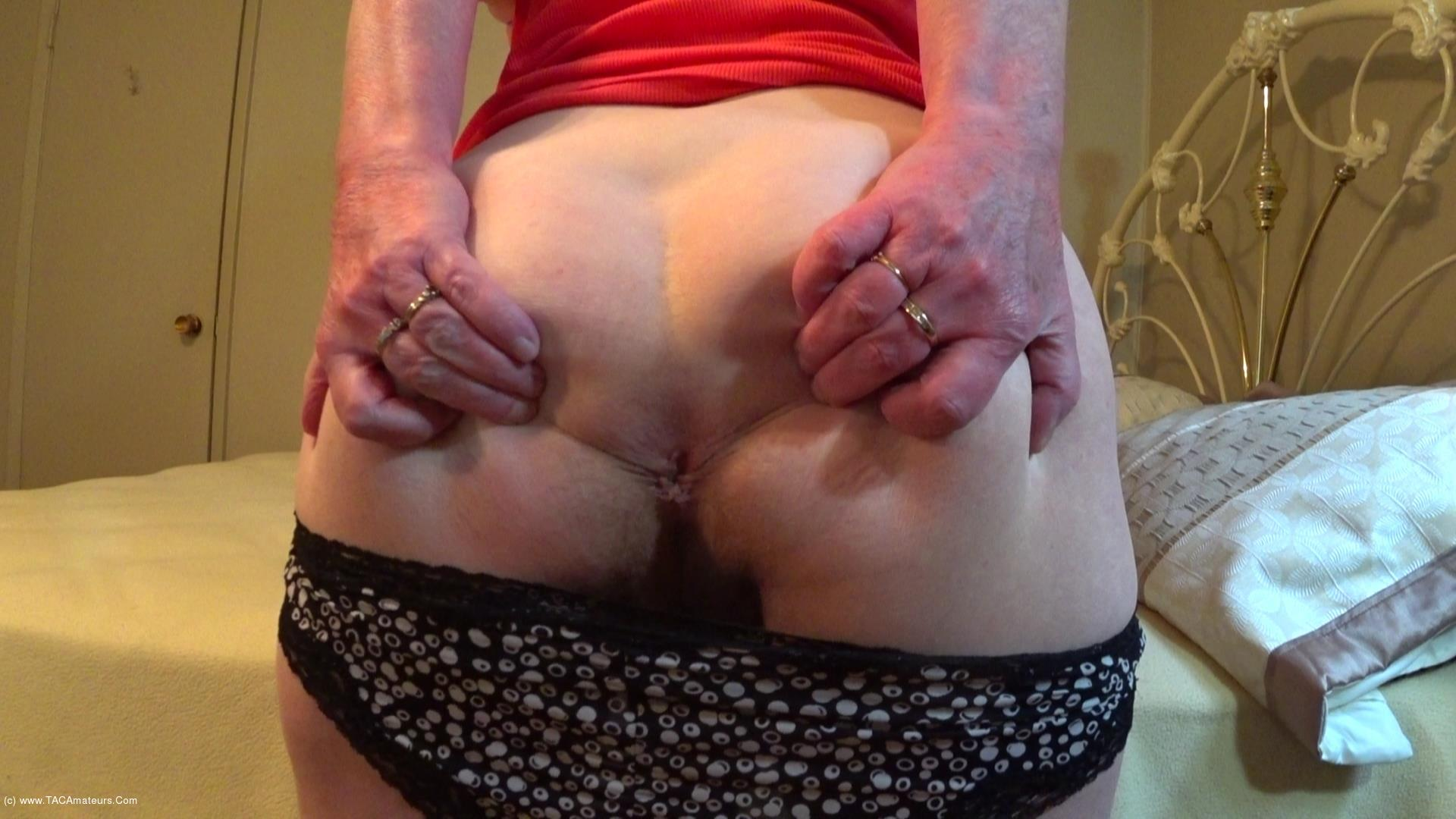 CougarBabeJolee - Time To Worship My Sweet Arse scene 2