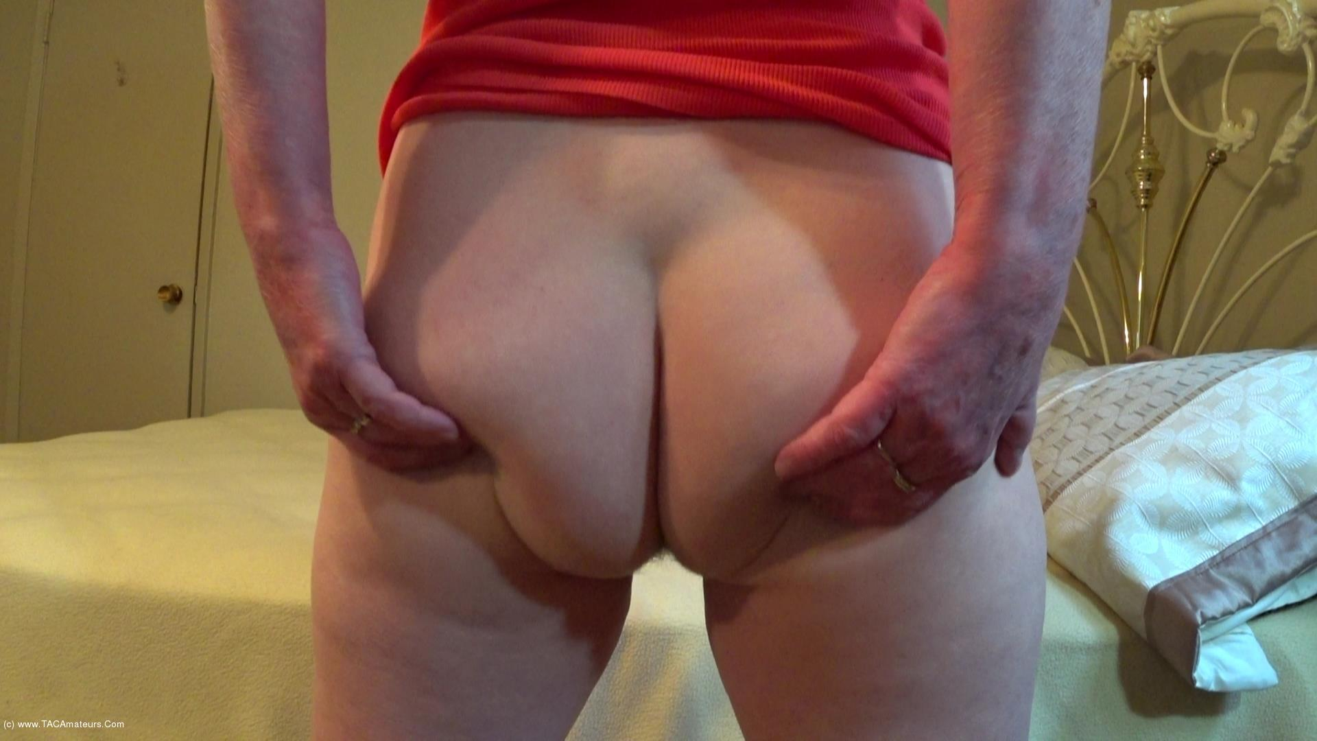 CougarBabeJolee - Time To Worship My Sweet Arse scene 3