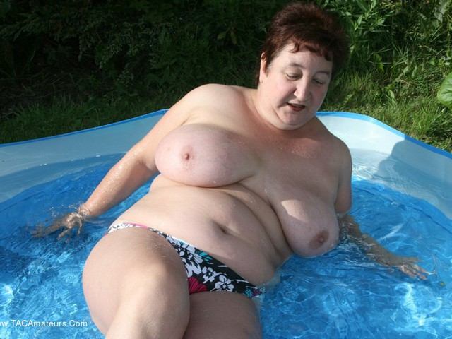 KinkyCarol - Paddling In My Pool Pt2