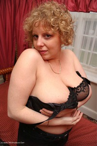 curvyclaire - Claire's Windswept Four Poster Bed Pt1 Free Pic 3